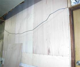 開口だった部分に壁を設置した事例
